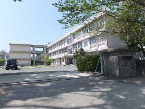 川内北中学校まで約1km☆