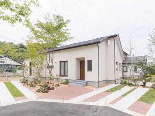 9中郷町のエアコン、家具、カーテン付きの未入居の平屋☆